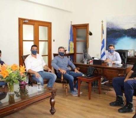 Συνάντηση Δημάρχου Χανίων, Π.Σημανδηράκη με μέλη της Ένωσης Προσωπικού Λιμενικού Σώματος Δυτικής Κρήτης